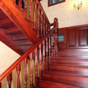 专注实木整装定制-楼梯